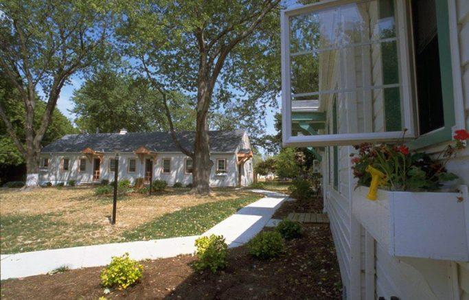 Galesville Courtyard